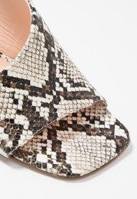 Tosca Blu - MAIORCA - Korolliset sandaalit - bianco - 2