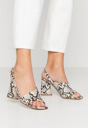 MAIORCA - Sandaler med høye hæler - bianco