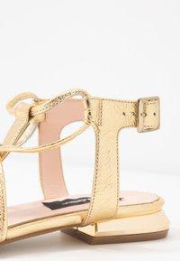 Tosca Blu - CRETA - T-bar sandals - platino - 2
