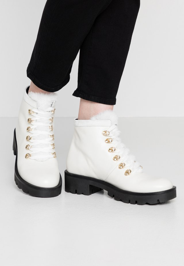 DIANE - Ankle boot - bianco