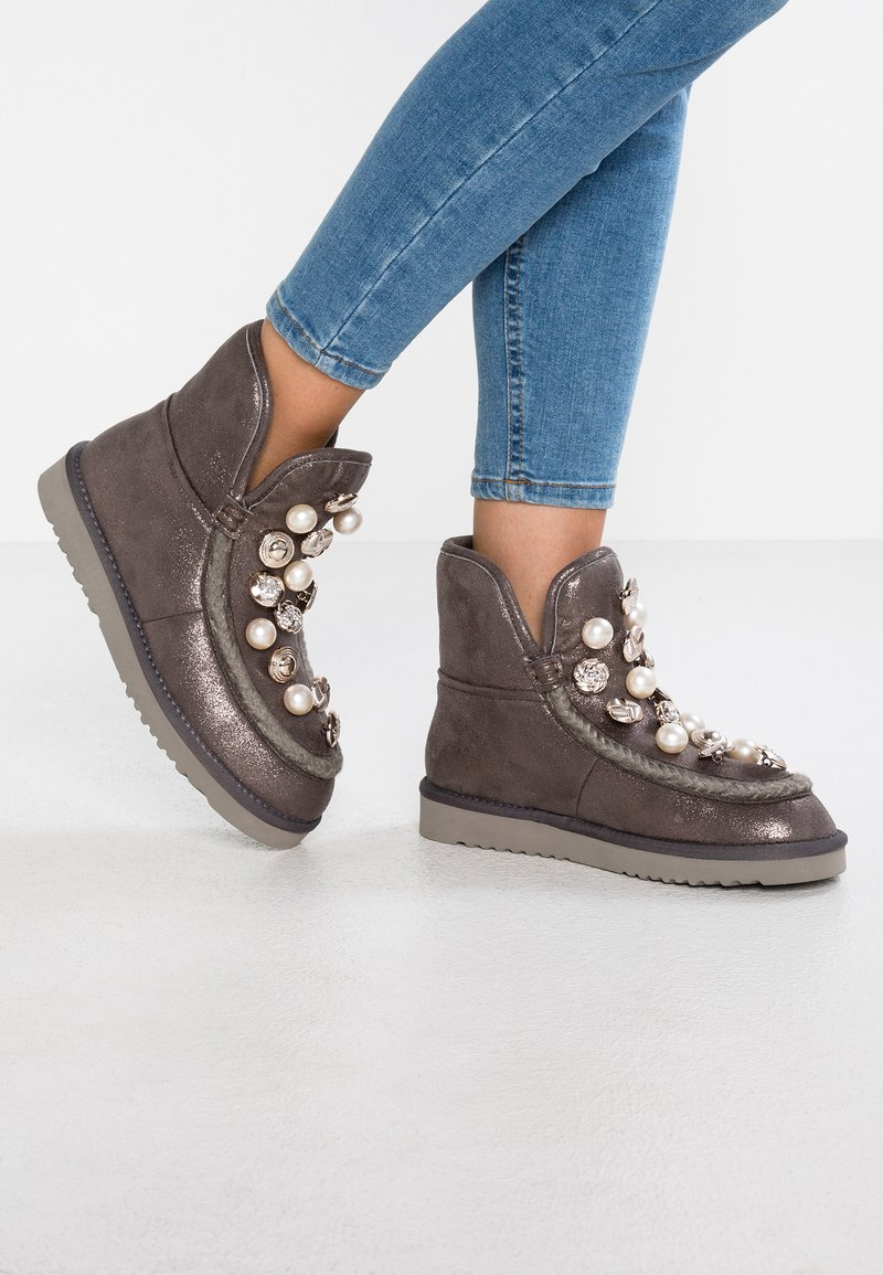 Tosca Blu - MOSCA - Classic ankle boots - grigio