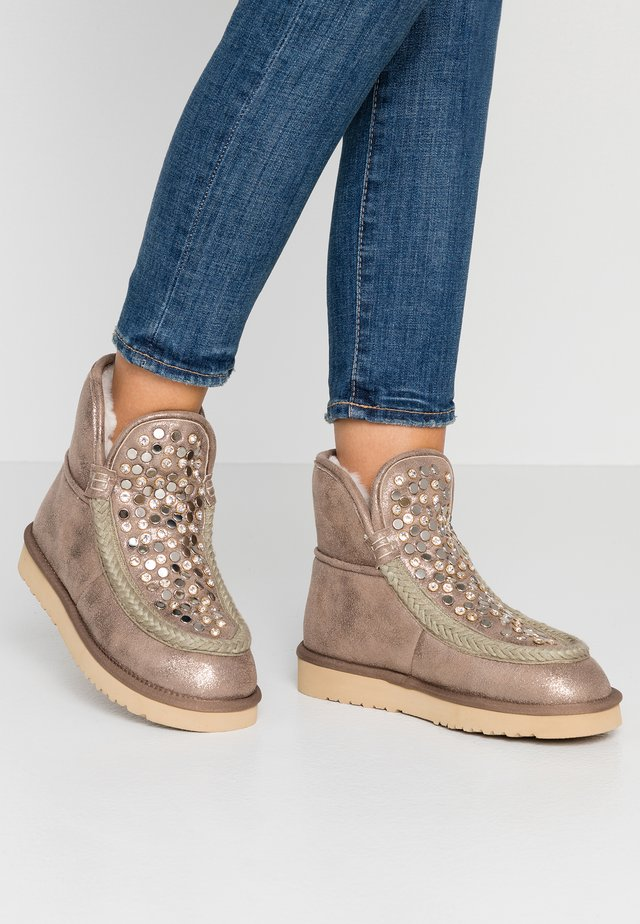 DAISY - Classic ankle boots - taupe