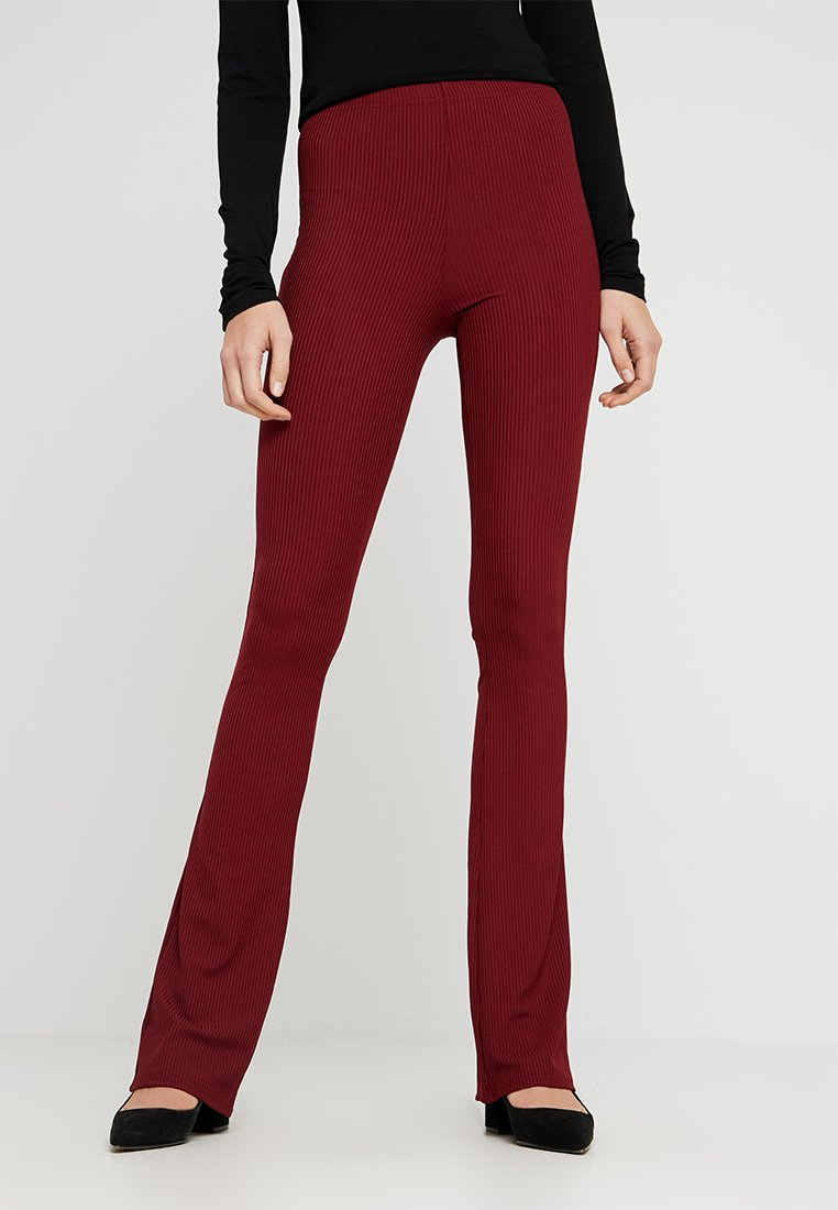 Topshop Tall - EXCLUSIVE SKINNY FLARE - Stoffhose - cabernet