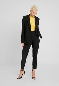 Topshop Tall - NEW SUIT - Kalhoty - black - 2