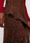 Topshop Tall - LEOPARD RUFFLE - Áčková sukně - multi