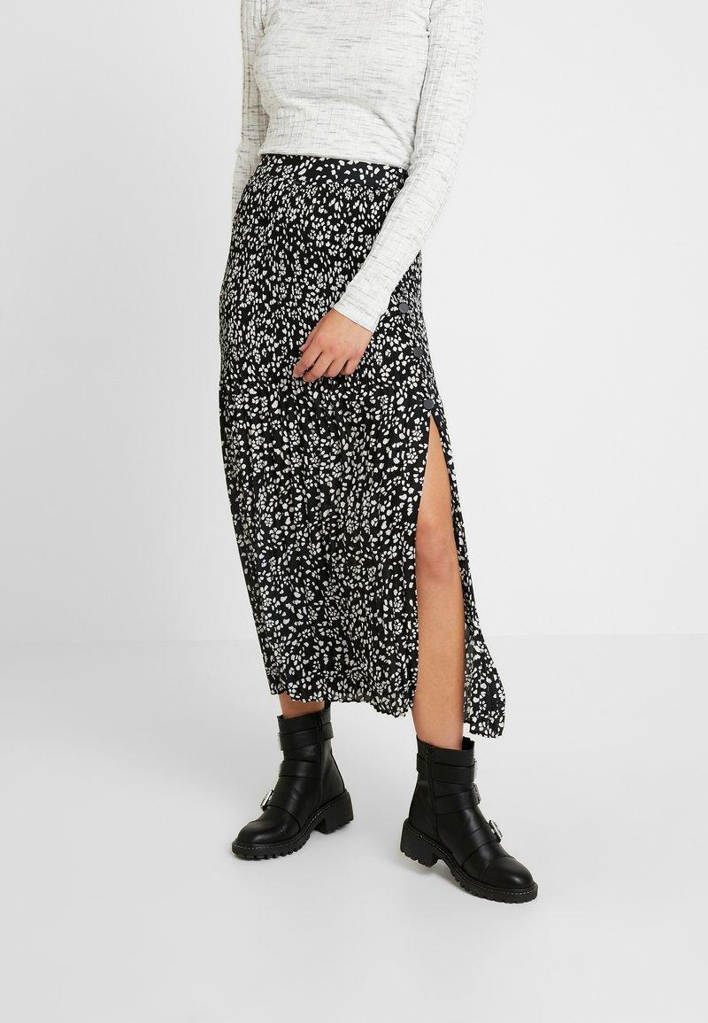 Topshop Tall - CRYSTAL PLEAT - Pleated skirt - mono
