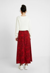 Topshop Tall - SPOT AUSTIN - Gonna a campana - red - 2