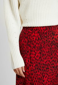 Topshop Tall - SPOT AUSTIN - Gonna a campana - red - 4