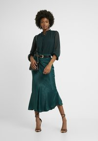Topshop Tall - PLAIN FLOUNCE - Áčková sukně - dark green - 1
