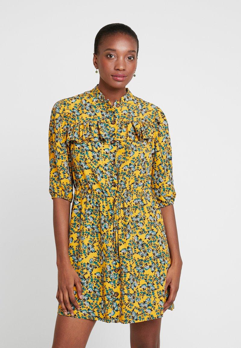 Topshop Tall - FLORAL PLEAT TRIM MINI - Shirt dress - yellow