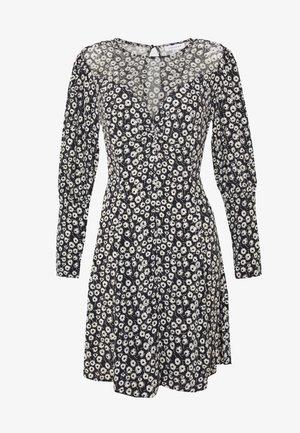 GRUNGE TWIST - Denní šaty - black
