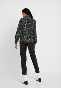 Topshop Tall - STAR SHIRT - Overhemdblouse - black/white - 2