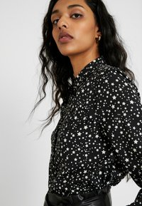 Topshop Tall - STAR SHIRT - Overhemdblouse - black/white - 3