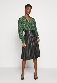 Topshop Tall - Button-down blouse - green - 1