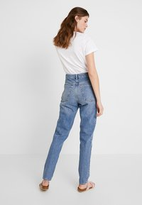 Topshop Tall - MOM - Relaxed fit jeans - blue - 2
