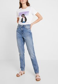 Topshop Tall - MOM - Relaxed fit jeans - blue - 0