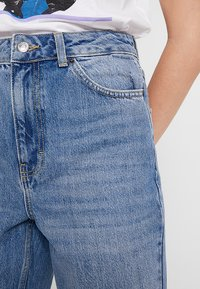 Topshop Tall - MOM - Relaxed fit jeans - blue - 5