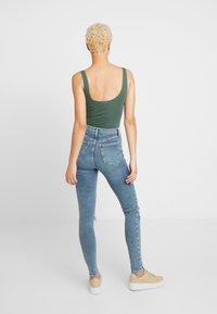 Topshop Tall - JAMIE AUSTIN - Jeans Skinny Fit - grrencast - 2