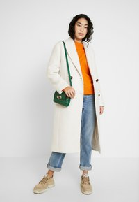 Topshop Tall - KIM BOUCLE - Cappotto classico - ivory - 1