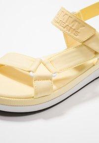 Tommy Jeans - FRESH MODERN  - Sandály na platformě - yellow - 2