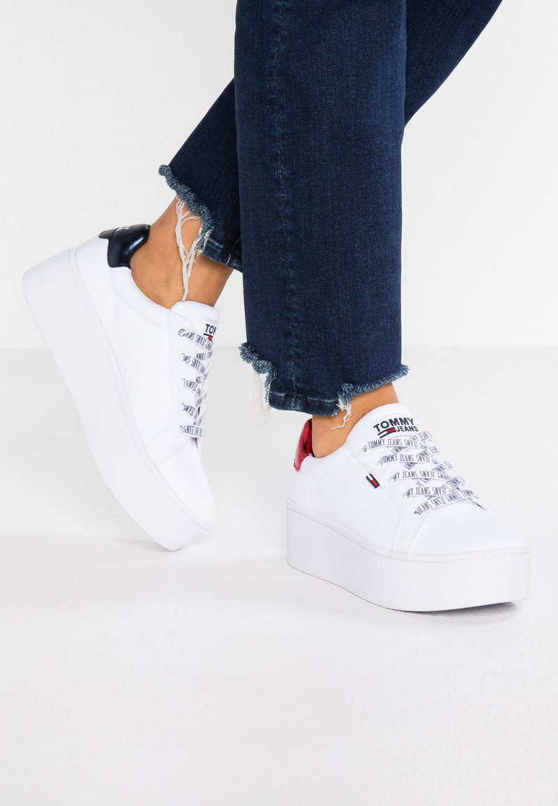 Tommy Jeans - ROXIE - Trainers - white