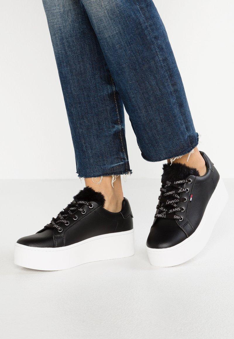 Tommy Jeans - FUNNY - Sneaker low - black