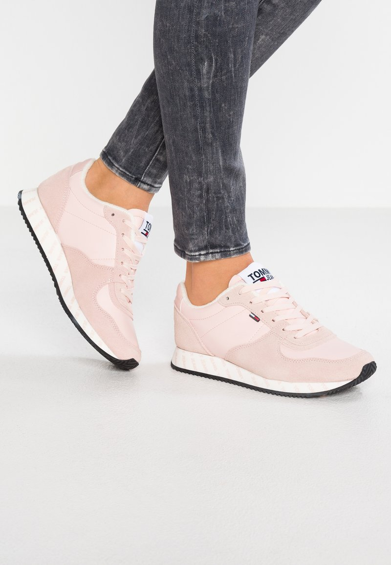 Tommy Jeans - CASUAL - Sneaker low - pink