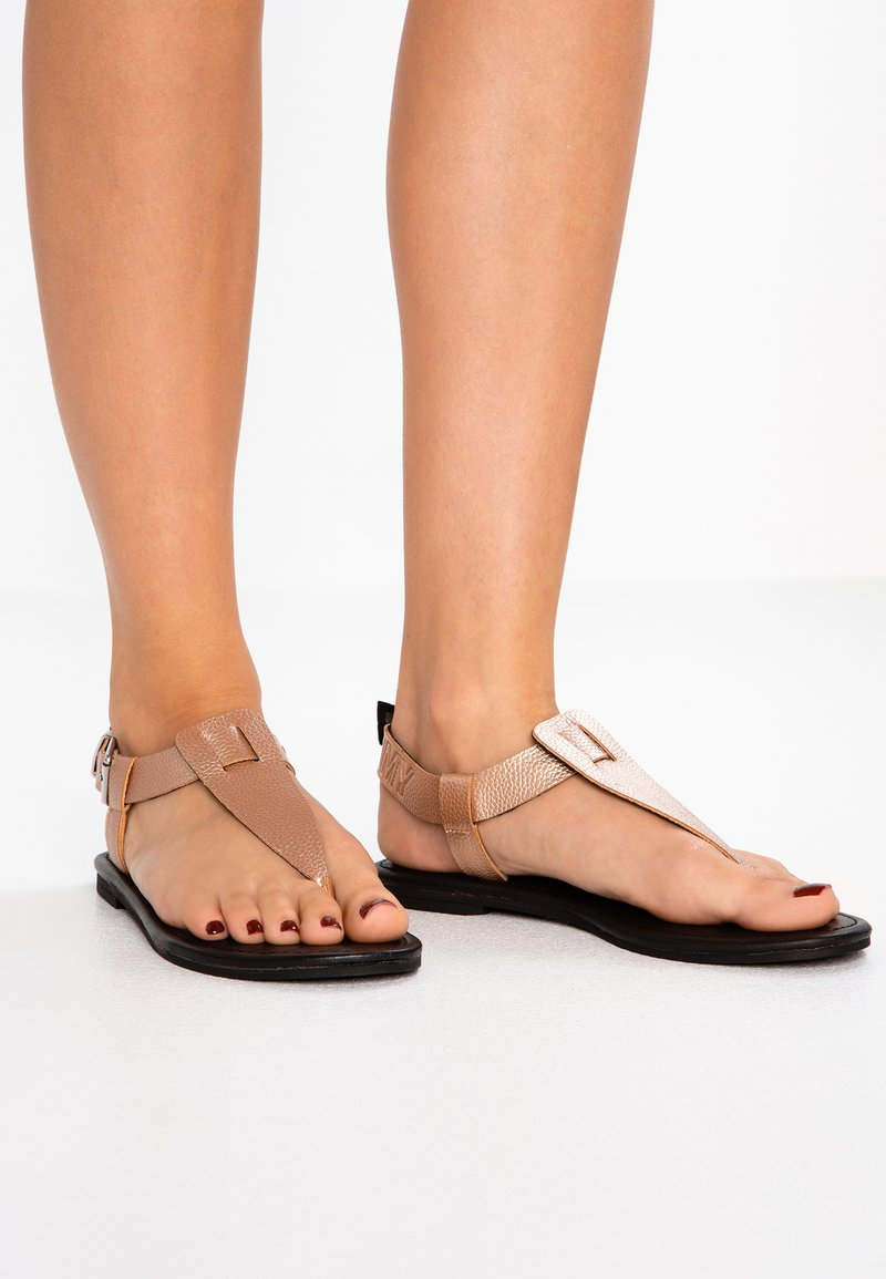 Tommy Jeans - SHINY METALLIC FLAT  - T-bar sandals - pink
