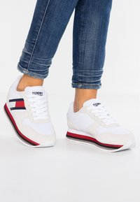 Tommy Jeans - RETRO  - Trainers - blue - 0