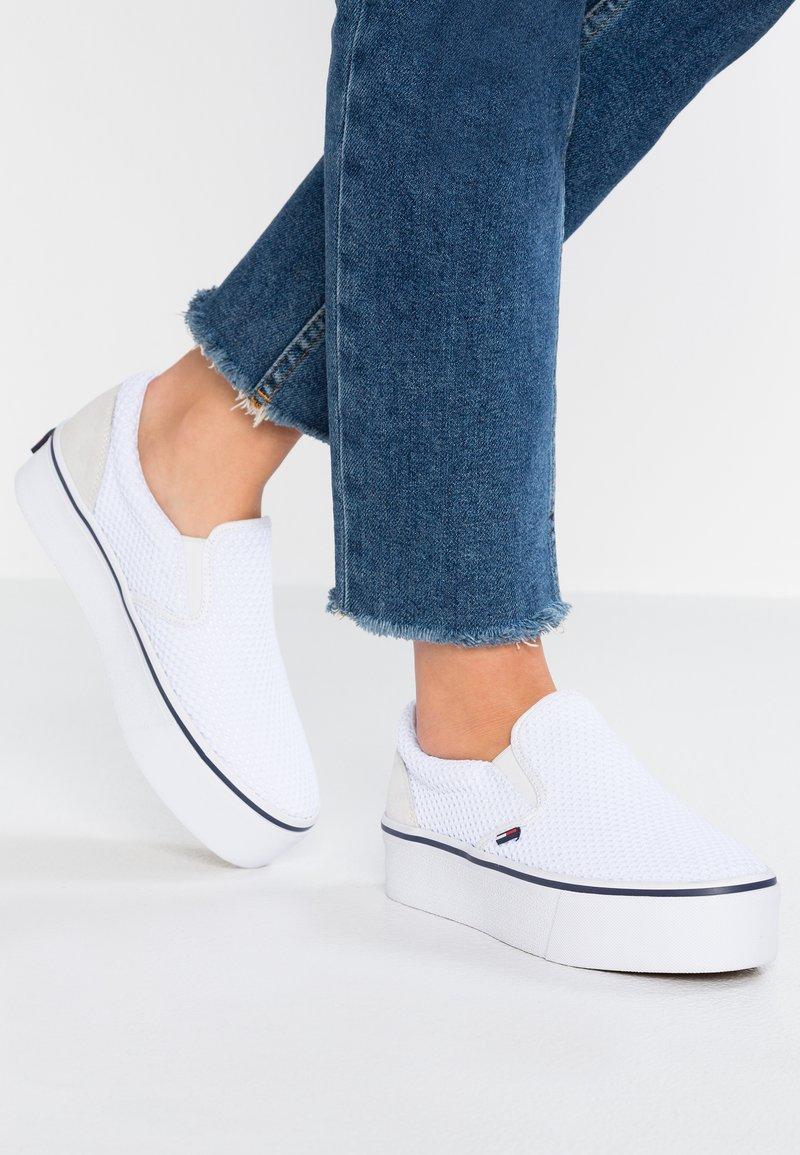 Tommy Jeans - CITY  - Nazouvací boty - white