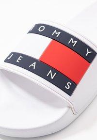 Tommy Jeans - BUBBLE - Muiltjes - white - 2