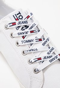 Tommy Jeans - CASUAL - Sneaker low - white - 2