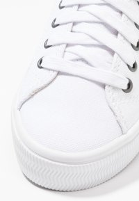 Tommy Jeans - CLASSIC - Sneaker low - white - 2