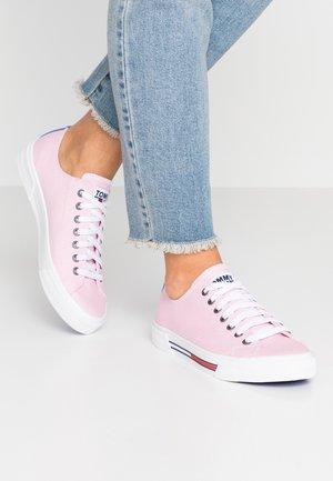 CLASSIC - Tenisky - pink