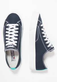 Tommy Jeans - CLASSIC - Trainers - blue - 3