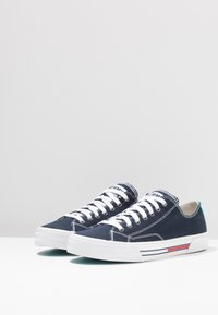 Tommy Jeans - CLASSIC - Trainers - blue - 4