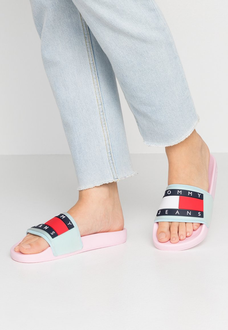 Pink SlideMules Jeans Pool Flag Translucent Tommy n0vmwO8N