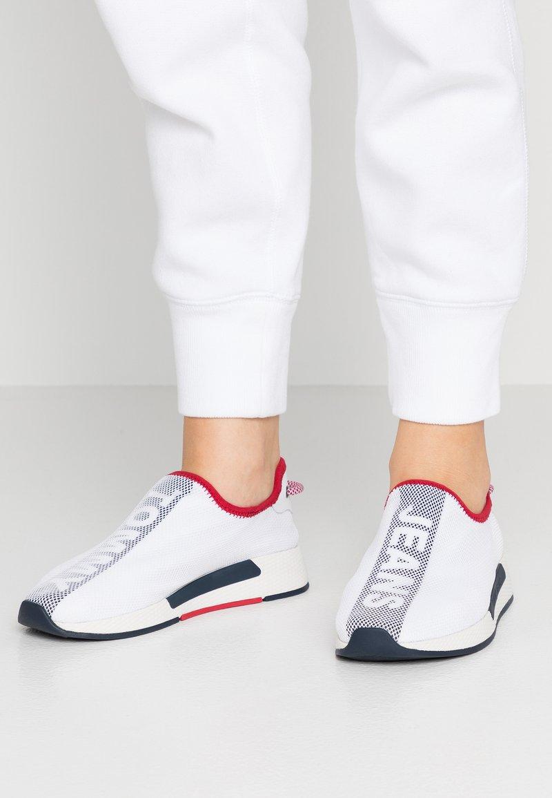 Tommy Jeans - TECHNICALFLEXI - Scarpe senza lacci - white