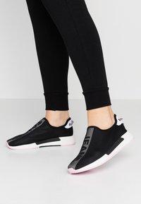Tommy Jeans - TECHNICALFLEXI - Nazouvací boty - black - 0