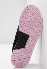 Tommy Jeans - TECHNICALFLEXI - Nazouvací boty - black - 6