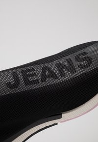 Tommy Jeans - TECHNICALFLEXI - Nazouvací boty - black - 2