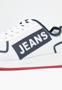Tommy Jeans - TECHNICAL FLEXI  - Sneakers laag - red - 2