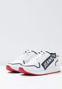Tommy Jeans - TECHNICAL FLEXI  - Sneakers laag - red - 4