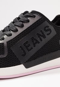 Tommy Jeans - TECHNICAL FLEXI  - Trainers - black - 2