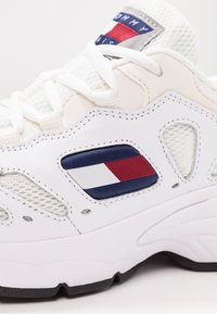 Tommy Jeans - RETRO  - Trainers - white - 2