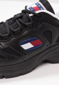 Tommy Jeans - RETRO  - Trainers - black - 2