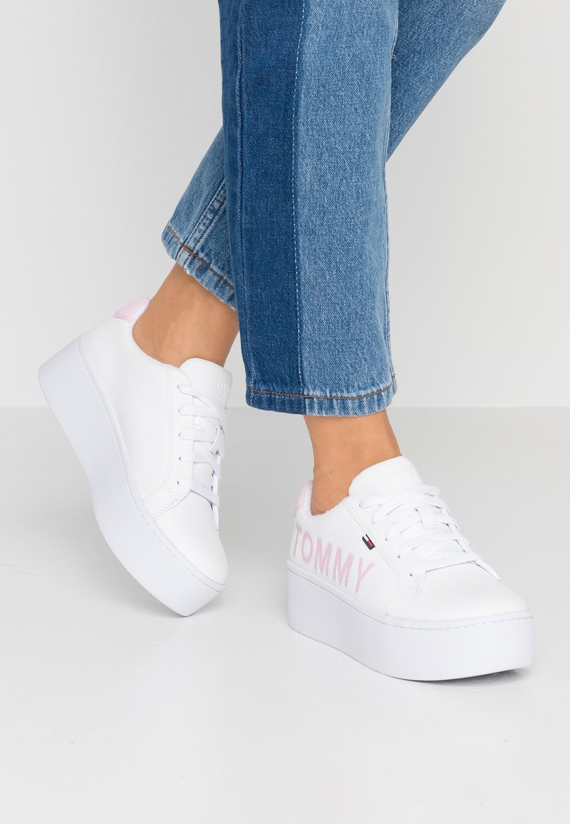 Tommy Jeans - ICON FLATFORM - Trainers - white