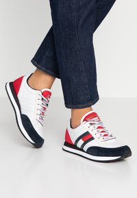 Tommy Jeans - WMNS CASUAL RETRO  - Sneaker low - red - 0