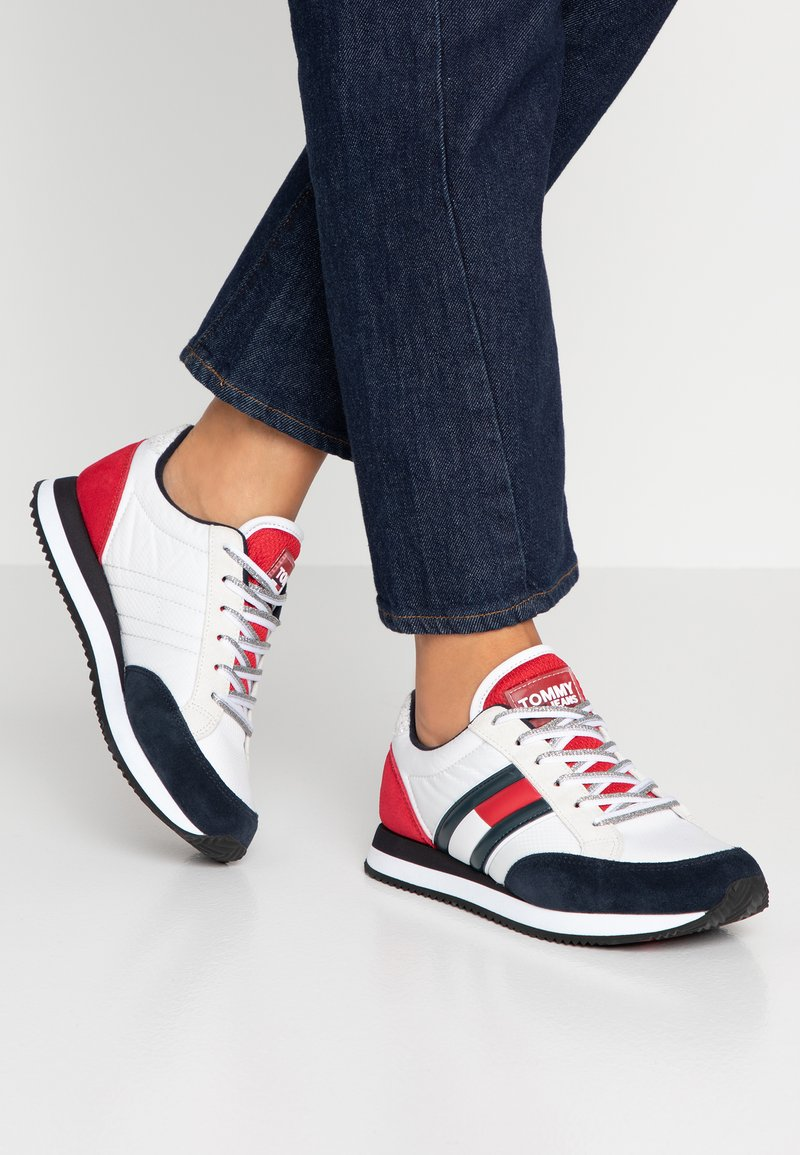 Tommy Jeans - WMNS CASUAL RETRO  - Sneaker low - red