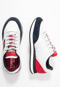 Tommy Jeans - WMNS CASUAL RETRO  - Sneaker low - red - 3